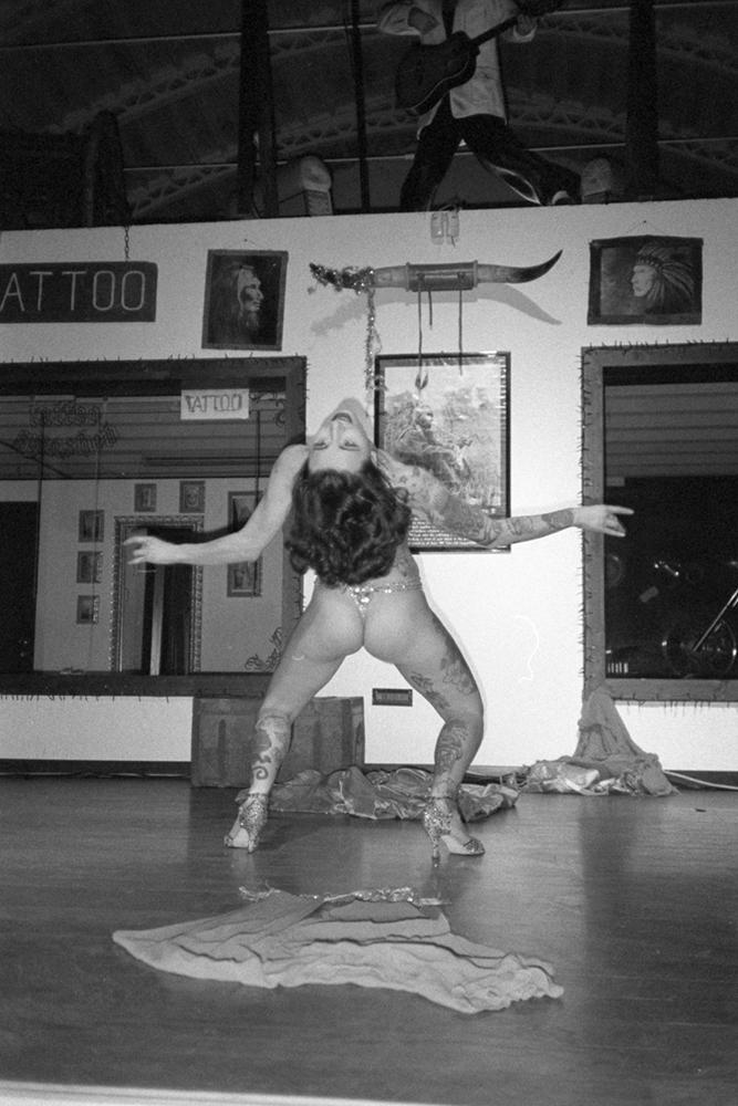 burlesque female performer