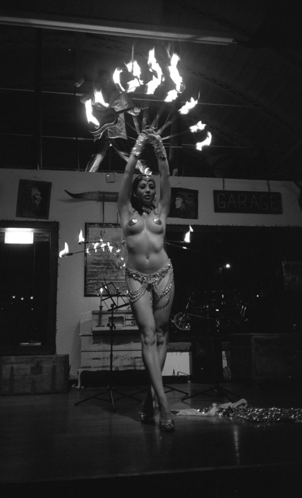 burlesque female performer